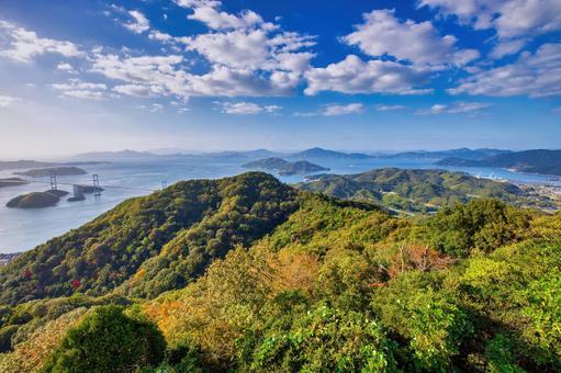 亀老山 정상에서 바라 보는 구루 시마 해협