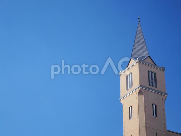 青空と尖塔の写真