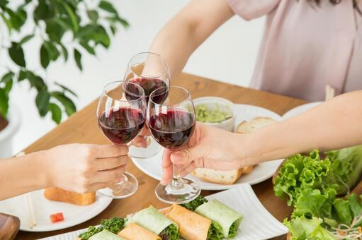 Female friends toasting