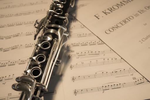 Clarinet and score
