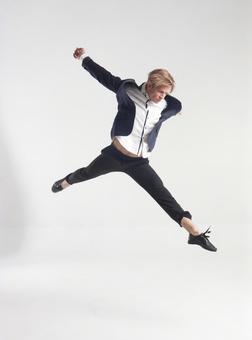 Male dancer who decides pose 12
