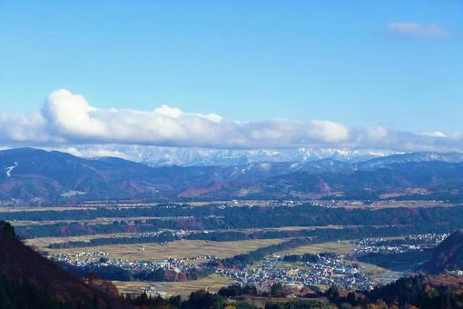 산과 마을