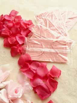 Pink non-woven mask individually wrapped