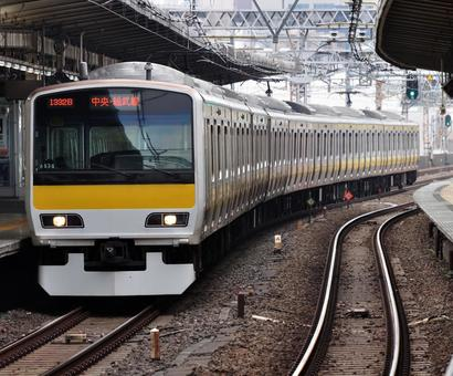 Stop at each station on the Sobu Line E231-500 series
