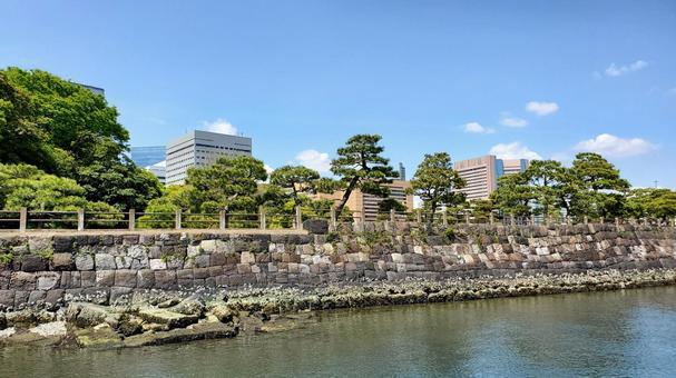 Hamarikyu Gardens seen from the ship