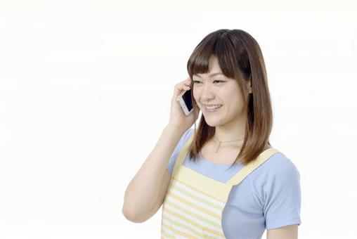 A woman who speaks with a smartphone 1