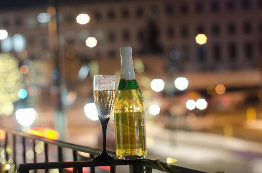White wine and night view 2