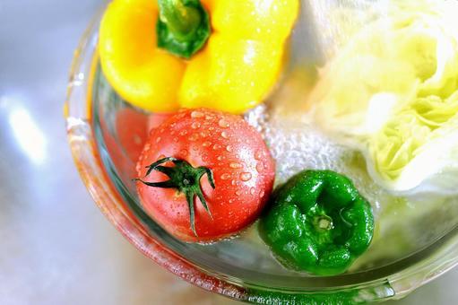 Wash vegetables 2