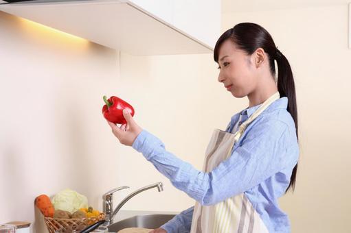요리를하는 여자 2