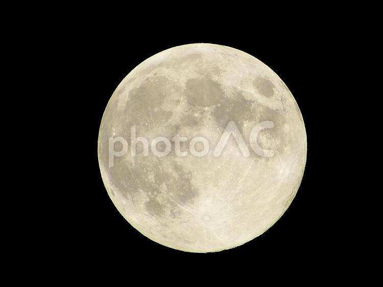 中秋の名月(月齢14.0)の写真