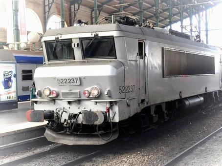 파리 북역의 로컬 열차