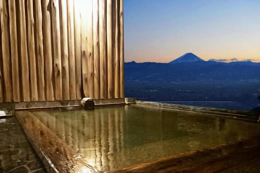 Open-air bath with Mt. Fuji