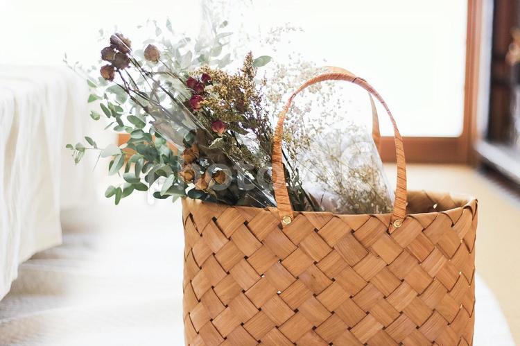 花束とかごの写真