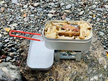 Rice cooked with Mestin for camping meals
