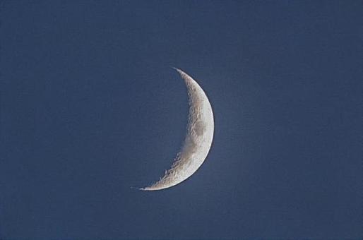 초승달 밤하늘