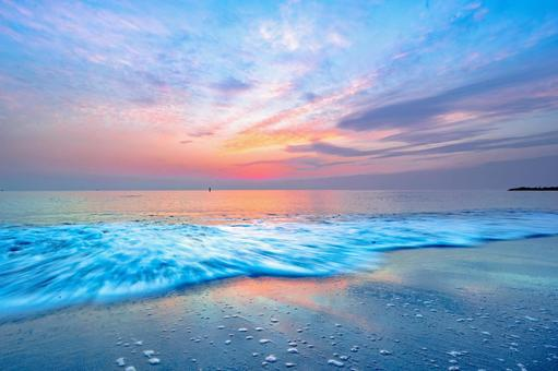 Fantastic sunset and beach / beach sunset