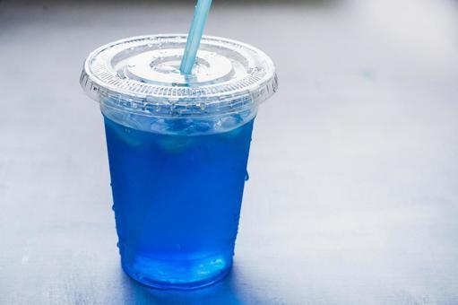 蘇打喉嚨藍色飲料
