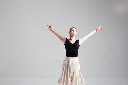 Female ballerina 3