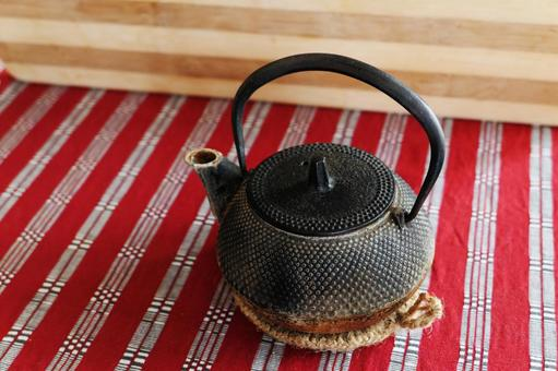 用過的南方鐵鍋茶壺