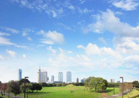 Makuhari Shintoshin and the blue sky