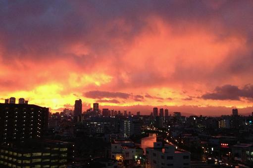 불타는 도시 저녁놀 오사카