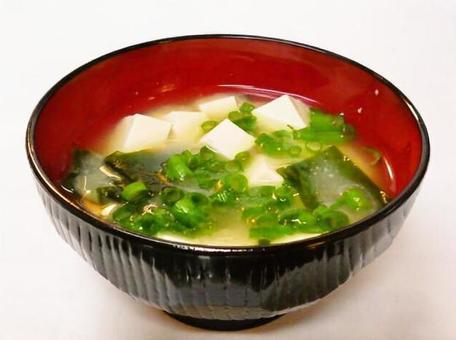 Miso soup with tofu, seaweed and leek