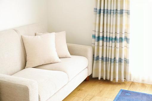 帶沙發的明亮客廳2