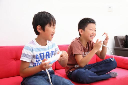 Children playing games 6