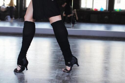 Female dancer's legs 7