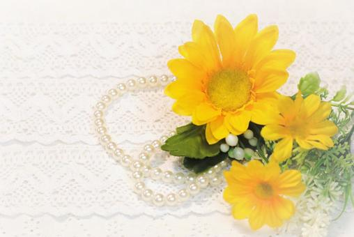 Yellow flower background material