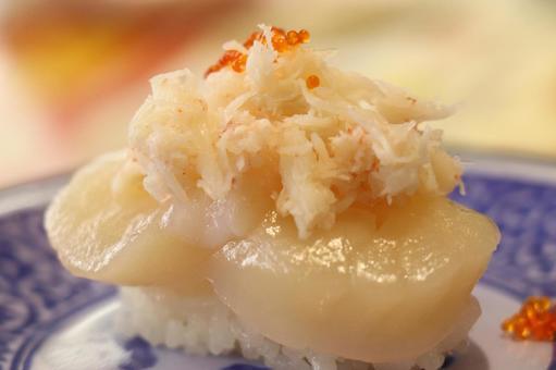 壽司傳送帶壽司吃扇貝