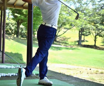 연습하는 골퍼
