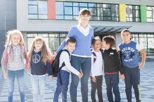 前小学学生和教师6学校