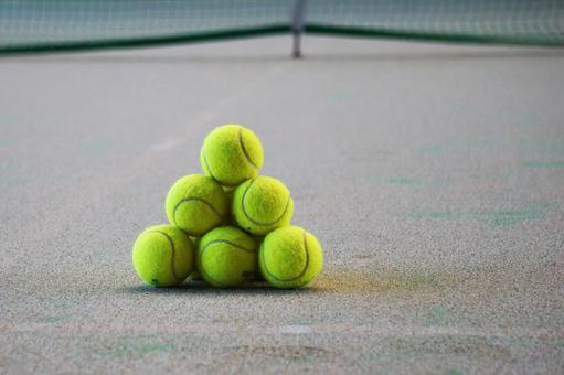 Tennis service practice