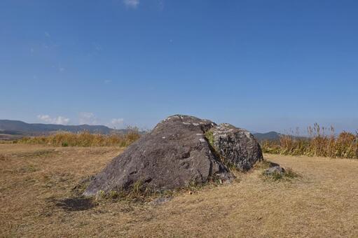 Oshido stone hill