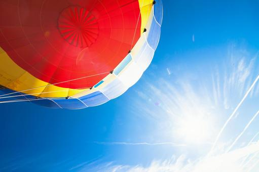 Balloon seen from below 5