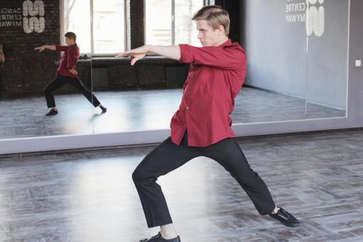 Male dancer 3