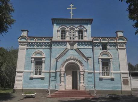 중앙 아시아의 하늘색의 교회