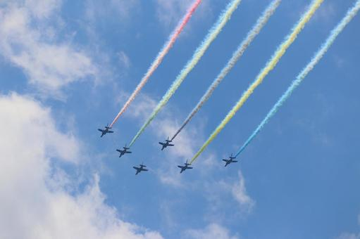 Blue Impulse on the day of the opening ceremony of the Olympic Games