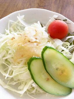 salad. 09