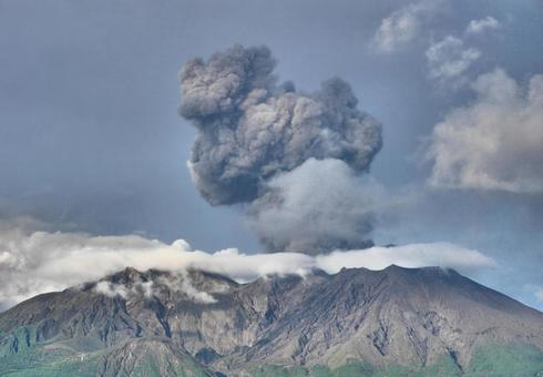 Scenery of Sakurajima that erupts