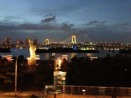 Rainbow Bridge night view 2