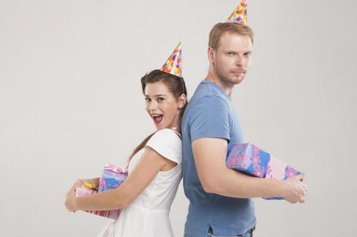 Couple to party 10