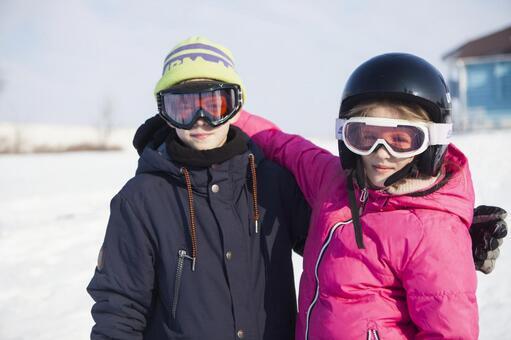 女孩和男孩3你在雪地里