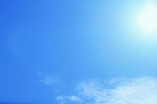 Summer background image with the sun shining in the blue sky Light blue UV sunburn Heat stroke Shine Glitter Sunshine Extreme heat Sunshine Knees Glitter Blue Sun Sun and shine