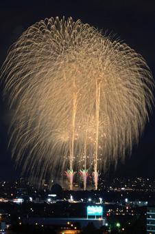 나가오카 축제 오하나 불 대회