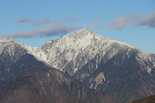 Mt. Hijiri in the snow seen from the direction of Kuronagi