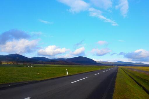 A straight straight road in Hokkaido