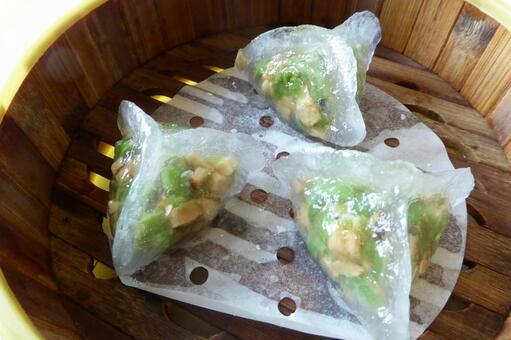Jade Triangular Steamed Dumplings