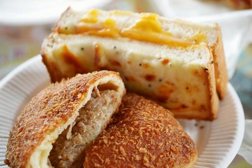 惣菜パンの写真素材|写真素材なら「写真AC」無料(フリー)ダウンロードOK